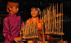 angklung-musical-instrument-school-holiday-activit41